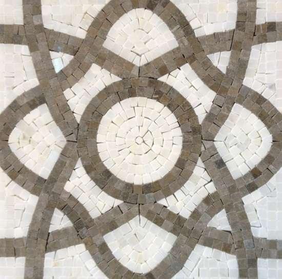Преимущества мозаики из камня